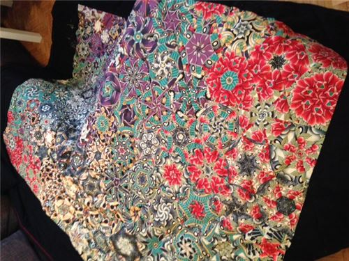 Check out this stunning patchwork quilt! 2