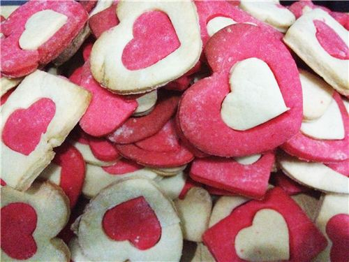 The office was super excited about Biancas self-baked cookies for Valentines Day